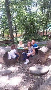 Holi Kids, botanička bašta