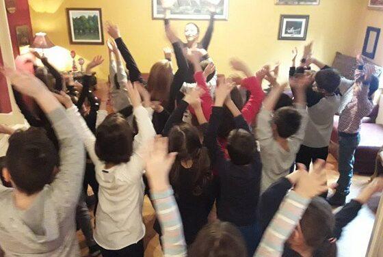 Deca i ples – muzika i ples daju ti krila Holi Kids