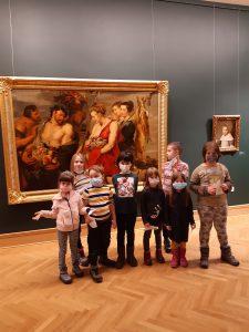 Holi Kids ispred Dijane u Narodnom muzeju